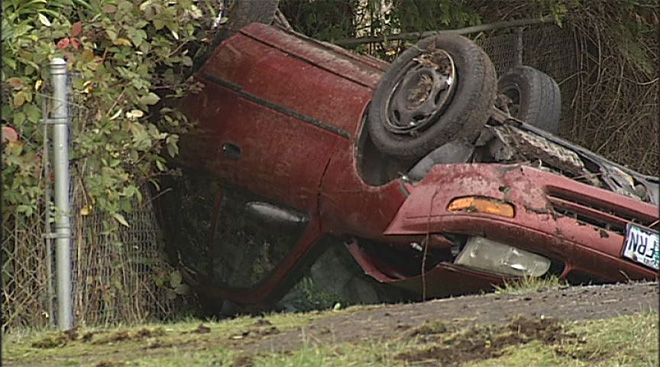 Two teens injured in Pleasant Hill crash (2)