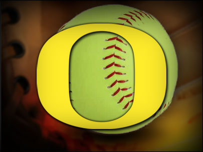 Duck softball splits pair in Fresno