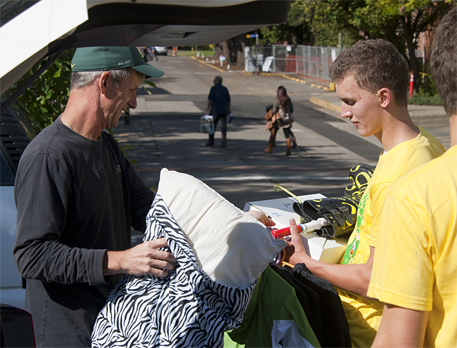 University of Oregon Move-In Day 2013 - Photo by Tristan Fortsch