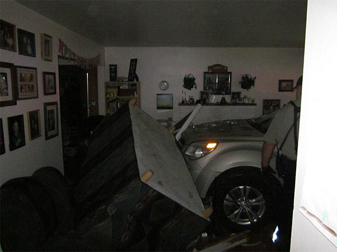 SUV crashes into Beaverton house
