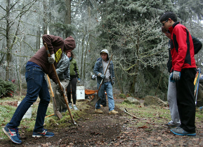 Volunteers help maintain Hendricks Park (14)