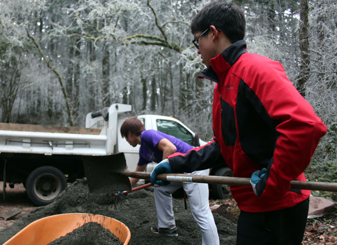 Volunteers help maintain Hendricks Park (18)