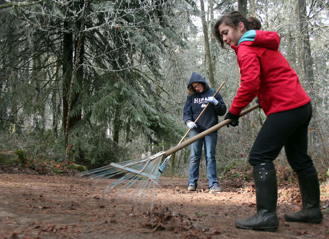 Volunteers help maintain Hendricks Park