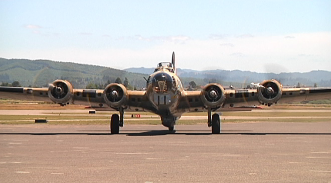 WWII planes visit Coos County (10)