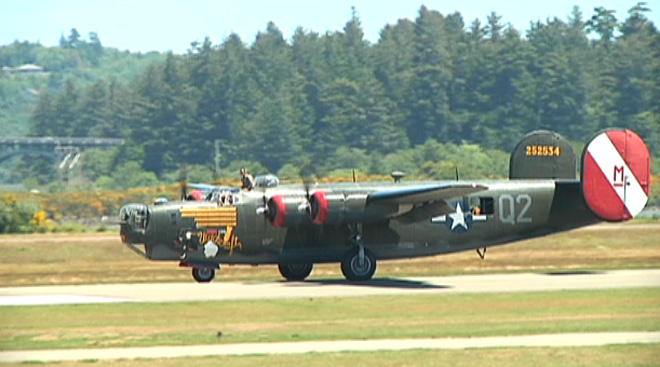 WWII planes visit Coos County (7)