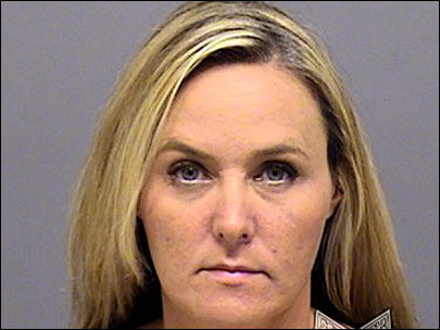Police: Ore. flight attendant stole passenger&#39;s iPad