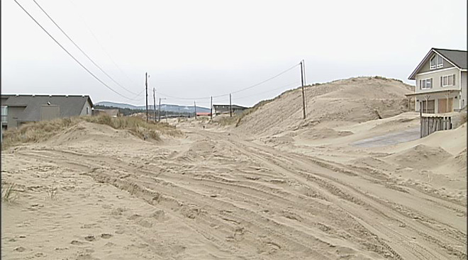 Winter storms bury Oregon Coast homes in sand