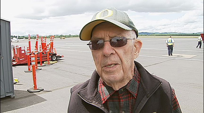 World War II B-17 visits Eugene May 17