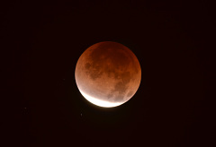 Lunar Eclipse Sat Dec 10, 2011
