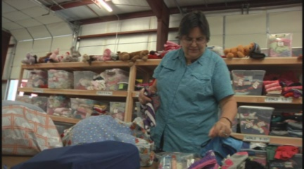 Volunteers help foster kids with 'Bags of Love'