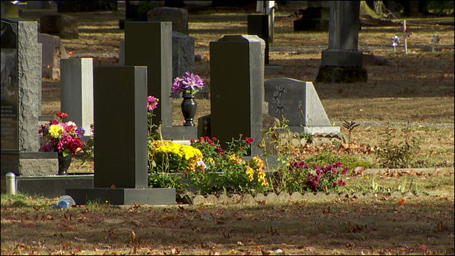 Cemetery officials ban profanity on rapper's headstone