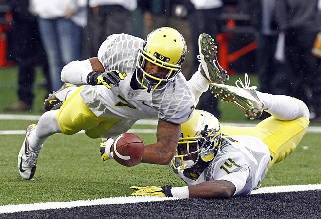 AP Top 25: Ducks down to No. 6, Beavers remain No. 16