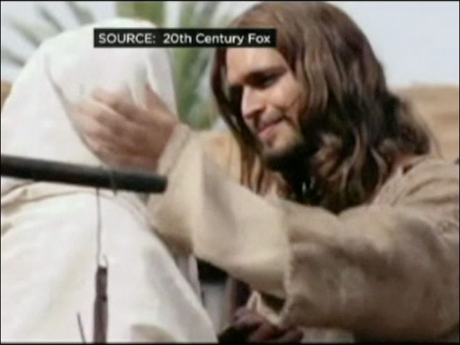 "Thousands turn out for sneak preview of ""Son of God"""