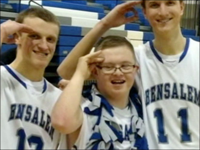 H.S. basketball manager with Down Syndrome becomes star