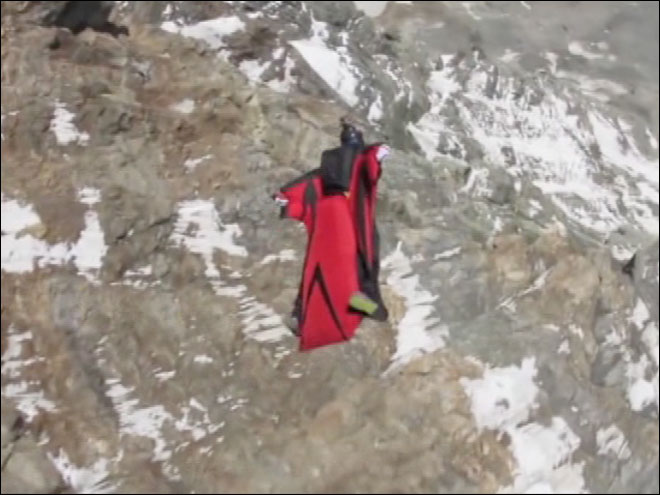 Man attempts Mount Everest wingsuit jump