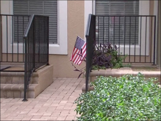 Vet may lose home over flag fight