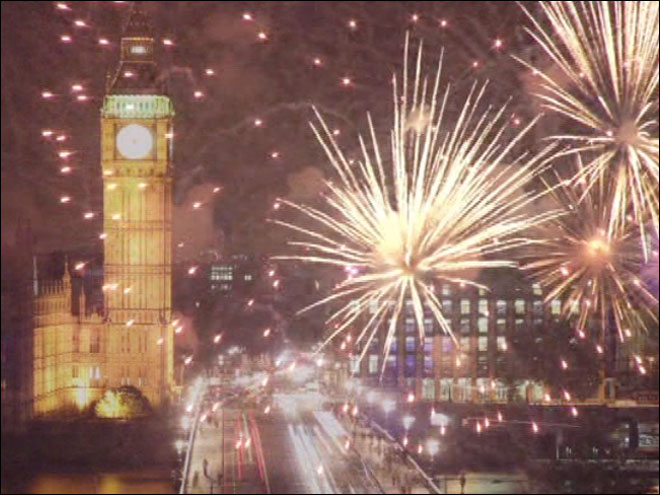 London's amazing hi-tech fireworks with fruity flavors