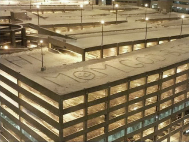Son leaves message in the snow to mom undergoing chemo