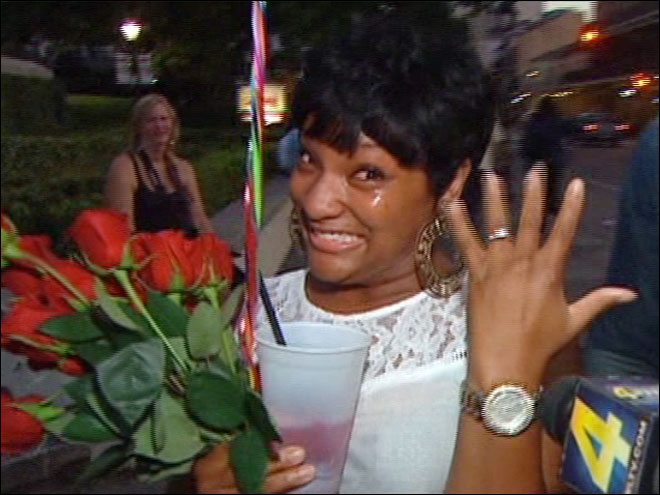 Man surprises his girlfriend with flash mob marriage proposal