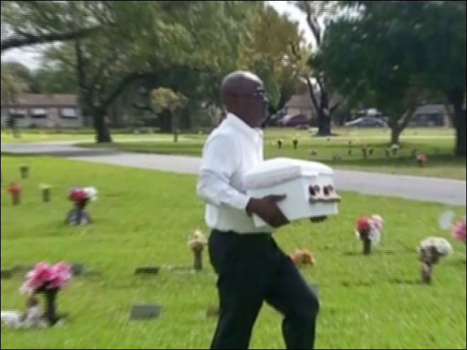 Family catches funeral home switching caskets