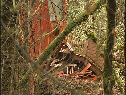 Residents blame landslide problem on Benton Co.