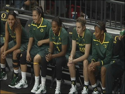 Duck women's basketball loses big halftime lead but fight off Illini