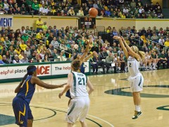 Lady Ducks in Fast Break Action at WNIT