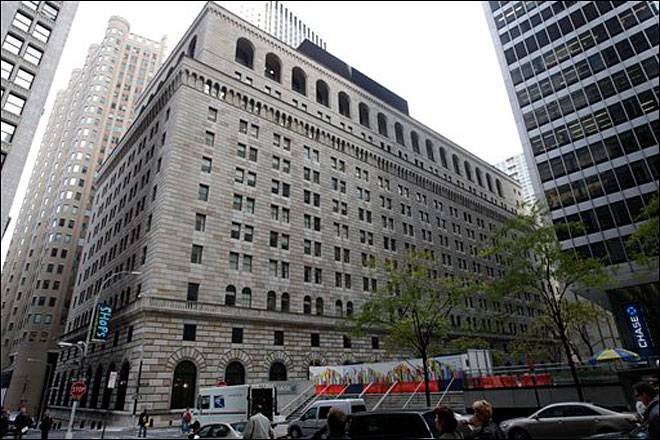 Feds: man arrested in plot to attack Federal Reserve