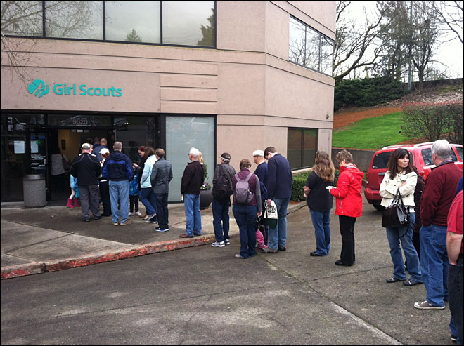 Hundreds turn out to buy Girl Scout cookies after order hoax