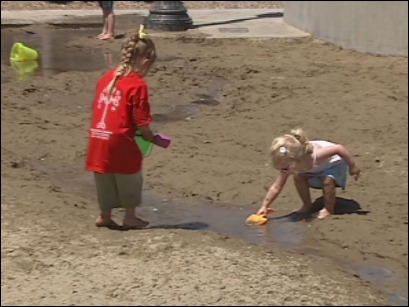 Researcher: Girls should say 'hello' to dirt and grime