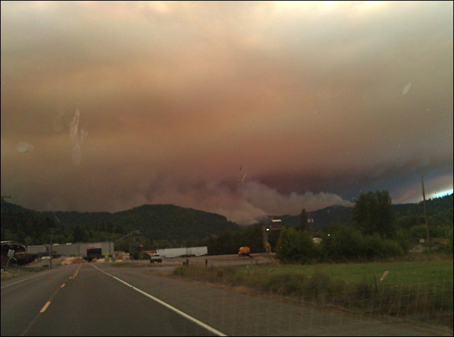 Douglas Complex jumps county line, more homes evacuated