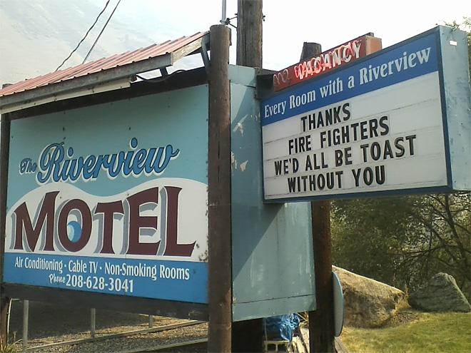 grangeville sheep fire Riverview Motel thank you sign in Grangeville near the Sheep fire in Idaho