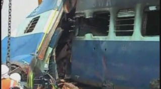 Train collision in India kills 25, dozens more injured