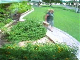 Woman steals man's Amazon package from porch