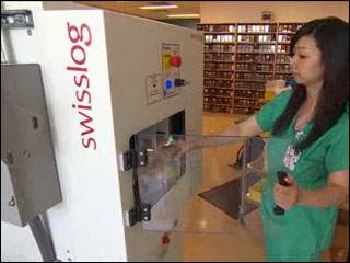 Robotic pharmacy filling prescriptions