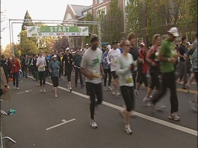 More than 8,000 runners pound the pavement at Eugene Marathon