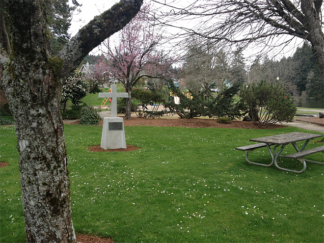 Group 'shocked' after memorial bombed, still want cross removed