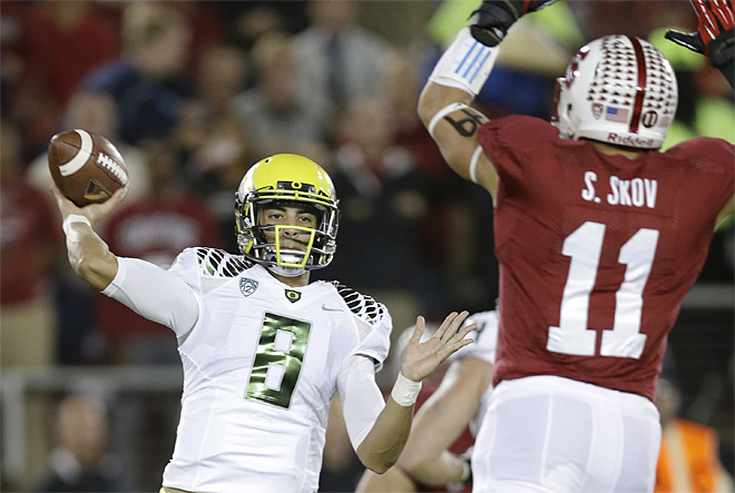 Stanford hands Oregon first season loss, 26-20