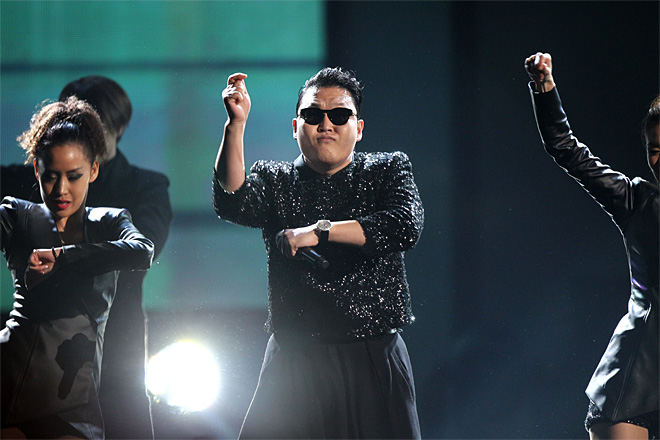Viral rapper PSY apologizes for anti-U.S. protests