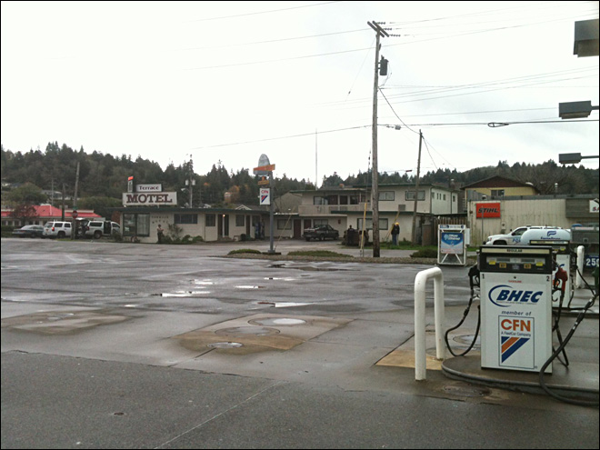 Woman detained after standoff at Coos Bay motel