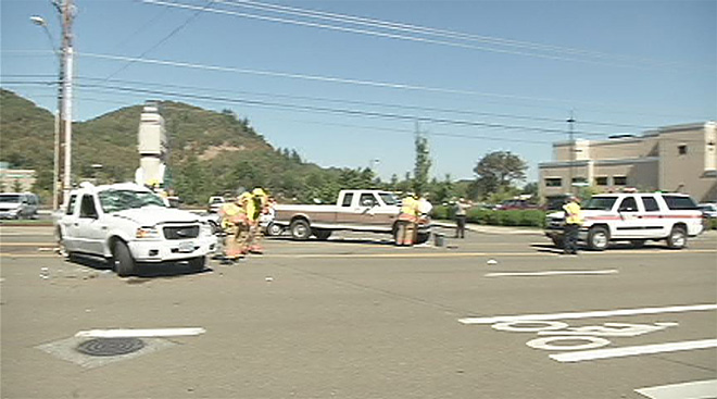3 injured in Roseburg crash