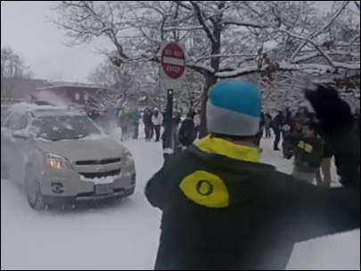 Video shows UO students hitting drivers with snowballs