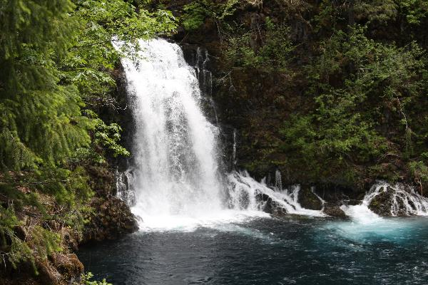 water_over_tamolitch_falls